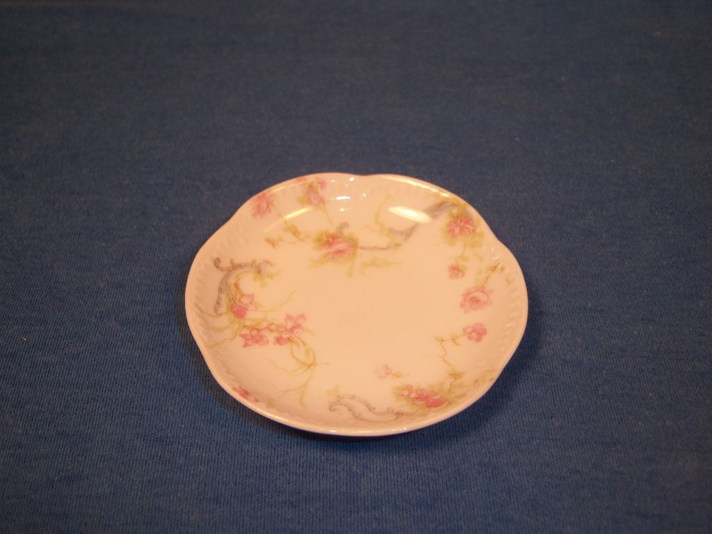 "Haviland ""Princess"" Schleiger 57B Butter Pat"