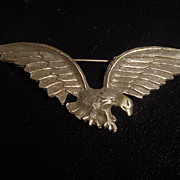 Large vintage brass colored american eagle brooch pin
