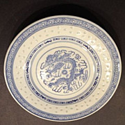 Chinese blue and white canton rice grain decorated canton plate with dragon
