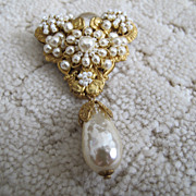 Vintage Miriam Haskell Brooch with Pearls!
