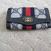 Vintage Navy Gucci Key Wallet!