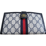 Vintage Navy Gucci Clutch Wallet!