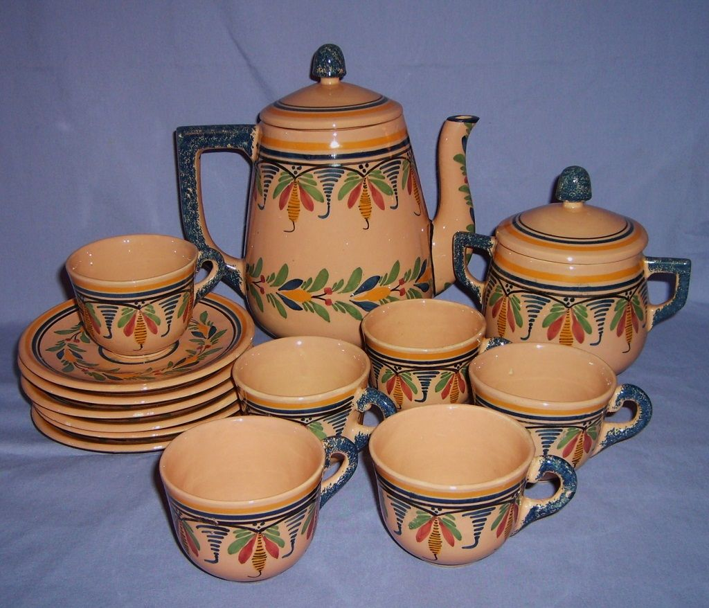 Henriot Quimper Tea/Coffee Pot Set Sugar 6 Cups & Saucers French Faience Mid 20thC