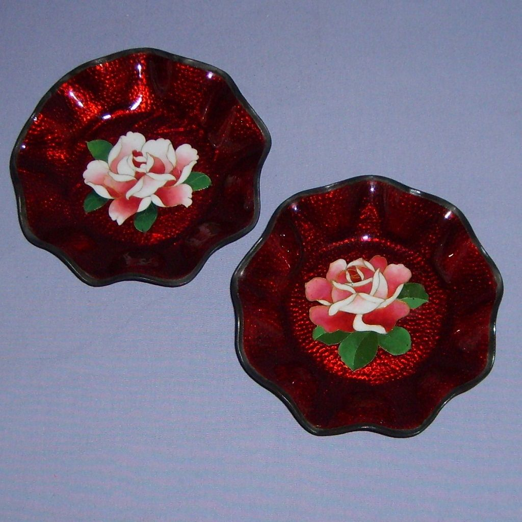 2 Japanese Cloisonne Akasuke Ginbari Trinket Dishes Red Roses