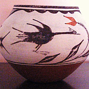 Beautiful Vintage Large Native American Zia Pot