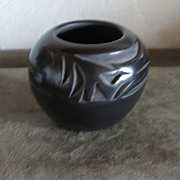 Beautiful Traditional Style Santa Clara Pot
