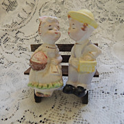 KIssing Couple Salt and Pepper Shaker Set Japan