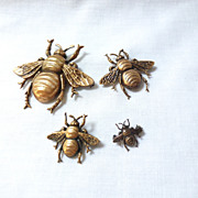 Set of 4 Joseff Of Hollywood Bee Brooches - 4 Different Sizes