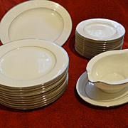 Noritake Sorrento 23 piece set