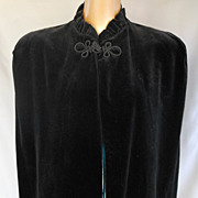 Vintage 40s Black Silk Velvet Cape or Cloak with Ruffle Collar - World War II Art Deco Era - S