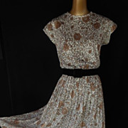 Vintage 70s Dress - Brown on White Floral Roses Swirl Print Gathered Skirt - Size M to L