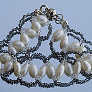 SALE Zigzag cultured pearls bracelet in white and grey