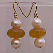 Natural amber and cultured freshwater pearls earrings