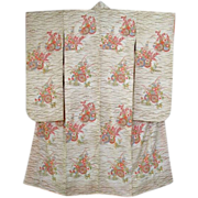 Pristine Vintage White Silk Floral Garden Furisode