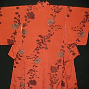 Lovely Vintage Silk Coral Kimono with Stylized Flower Pattern.