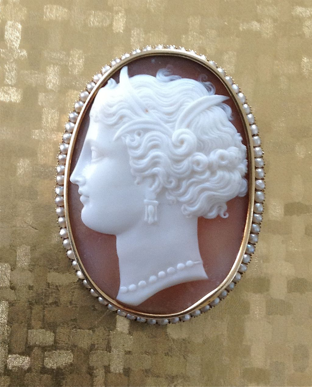 Gorgeous Italian Shell Cameo Brooch of Demeter with Pearls
