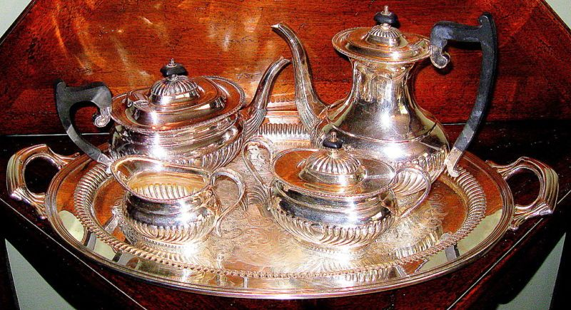 Sheffield, England 5 Piece Edwardian Queen Anne Silverplate Coffee/Tea Service