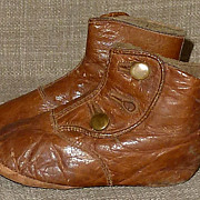 Adorable & Charming Old Child's Brown Leather High-Top Button-Up Shoes