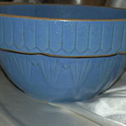 Blue Stoneware Bowl with Classic Picket Rim Decoration