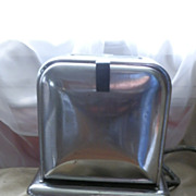 Vintage Toast Queen Electric Toaster with Side Doors Bakelite Knobs in Clean Working Condition