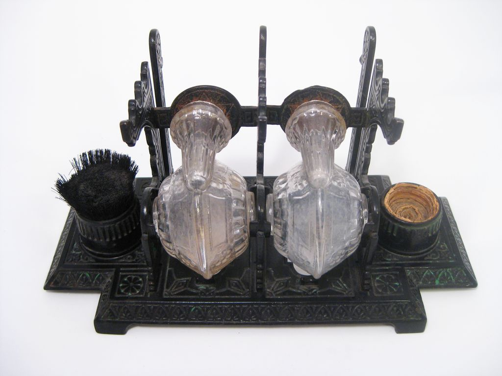 Incredible Cast Iron Victorian Double Snail Glass Inkwell