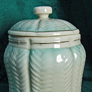 Irish Belleek 0969 Melvin Candy Jar