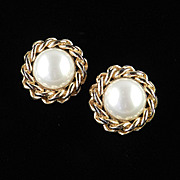 Vintage Ciner Faux Pearl & Chain Link Earrings  Pristine