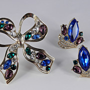 Vintage Trifari Rhinestone Bow Pin Brooch Earrings Demi Parure Set