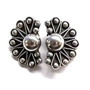 Beautiful Vintage Taxco Sterling Silver Clip on Earrings