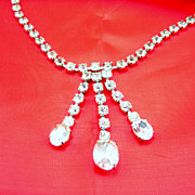 Vintage Rhinestone Drop Necklace Oval Rhinestones unsigned