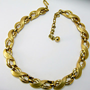 Trifari Polished Matte Vintage  Necklace Gold Tone