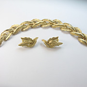 Trifari Bracelet Earrings Set Demi Parure Leaf Leaves ready for Fall