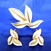 Trifari Cream Enamel Leaf Set Demi Parure Brooch Earrings