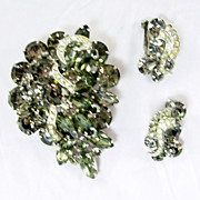 Vintage Weiss Black Diamond Set Smoke Gray Brooch Earrings