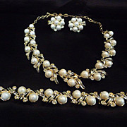 SOLD Striking Vintage Sarah Coventry Faux Pearl Necklace, Bracelet Earring set