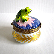 Limoges Paris France Vintage Porcelain Hand Painted Frog on Pod Box Brass