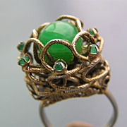 SOLD Vintage Emerald Green Glass Rhinestones Cocktail Ring
