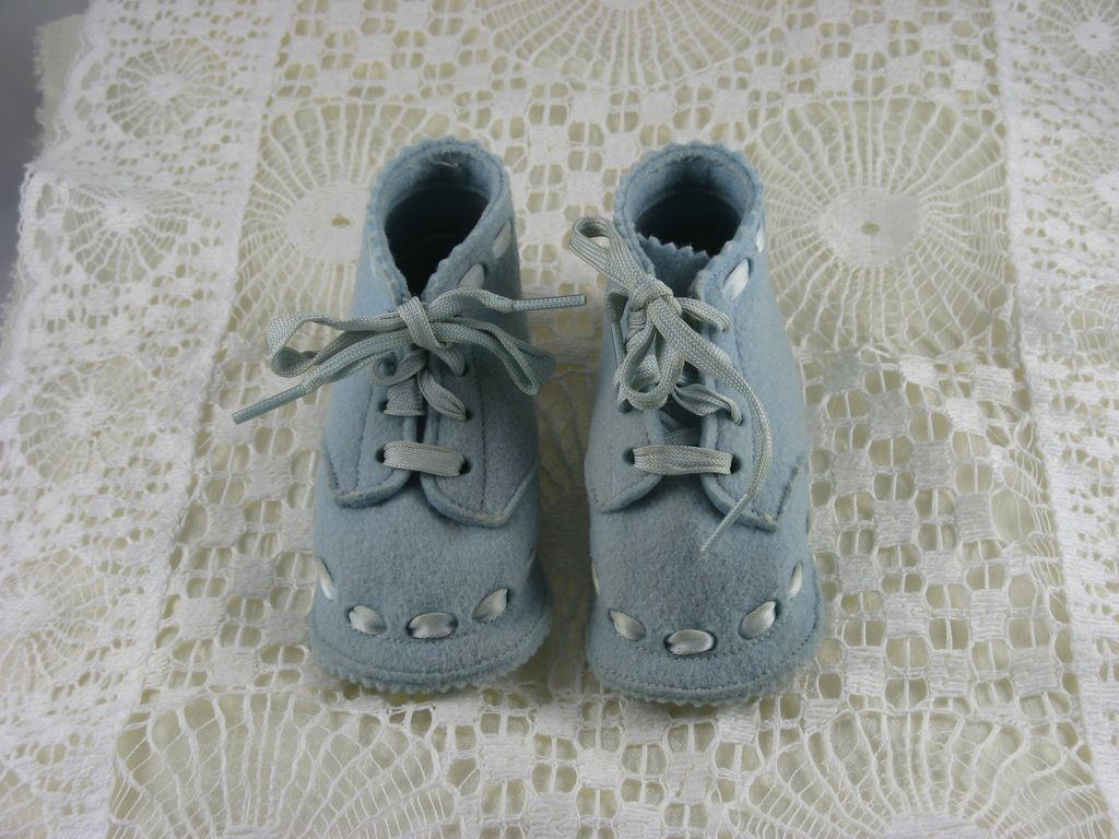 Mrs. O'Neil's Full Toe Baby Shoe, Size 1, Blue Felt