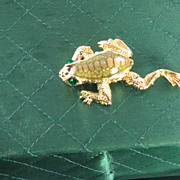 Gold Tones Frog Pin Signed SJ