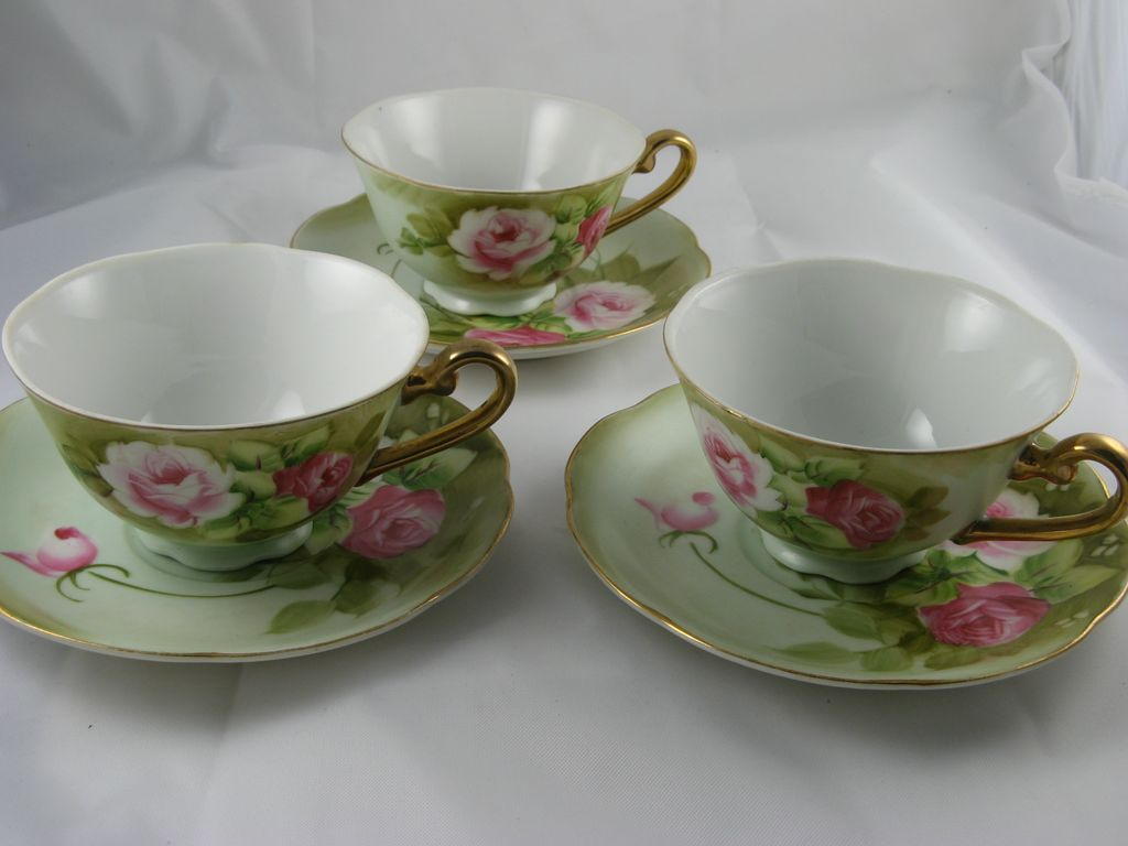Lefton Green Heritage Footed Cups & Saucers