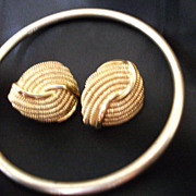 Vintage NAPIER Bracelet  and  Earrings Goldtone Metal