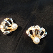 Vintage REINAD Earrings Gold tone with Faux Pearls and Rhinestones