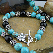 Eye-Catching Turquoise, Onyx and Sterling Silver Bracelet