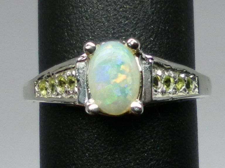 Vintage 14kt Australian Opal & Peridot Ring; FREE SIZING.