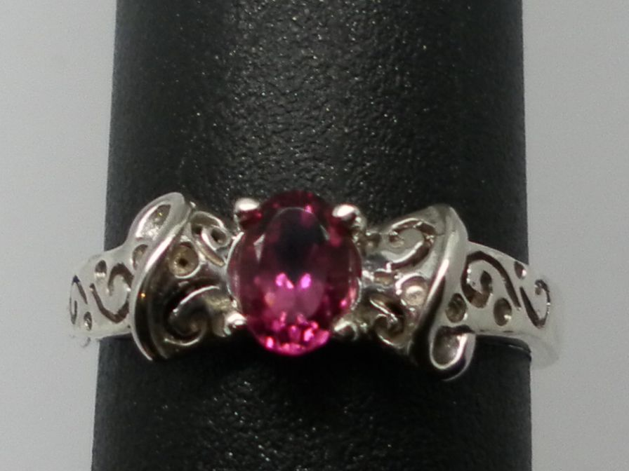 Vintage 14kt Pink Tourmaline Ring