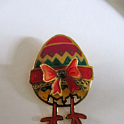 Adorable Vintage Goldtone-Enameled EASTER EGG w/ Baby Chick Feet Pin Brooch