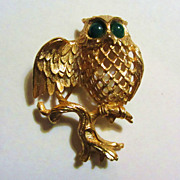 RARE Vintage NAPIER Owl Pin Brooch with Jade Green Cabochon Eyes