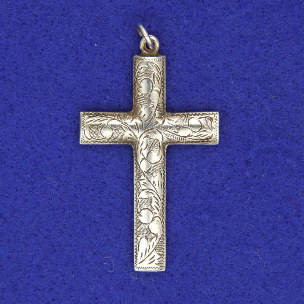sterling silver engraved cross pendant from