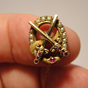 Vintage 10K yellow gold Theta Chi Fraternity pin