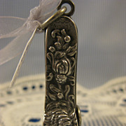 Shiebler Sterling ~ CHRYSANTHEMUM CIGAR CUTTER ~ Repousse Art Nouveau Silver